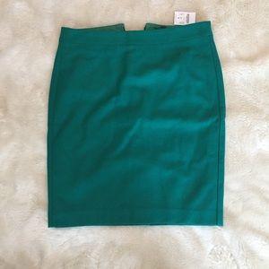 J. Crew Green Straight Pencil Skirt. Size 6
